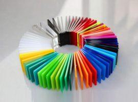 Farvet plexiglas