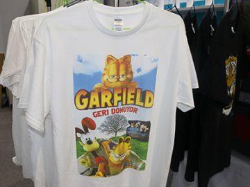 White T shirt display